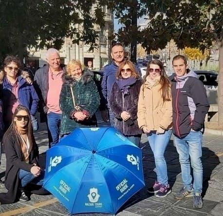 Grupo de visita guiada en Granada
