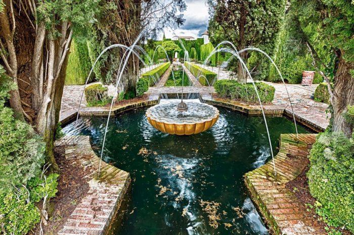 Fuentes de los Jardines del Generalife de la Alhambra