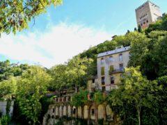 Paseo de los Tristes en el Albaicín de Granada